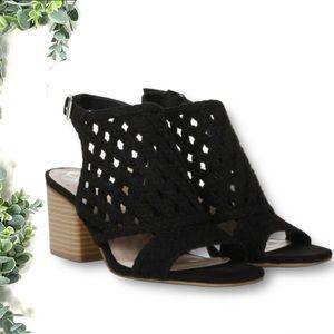 FERGALICIOUS Women's Viv Block Heel Sandal